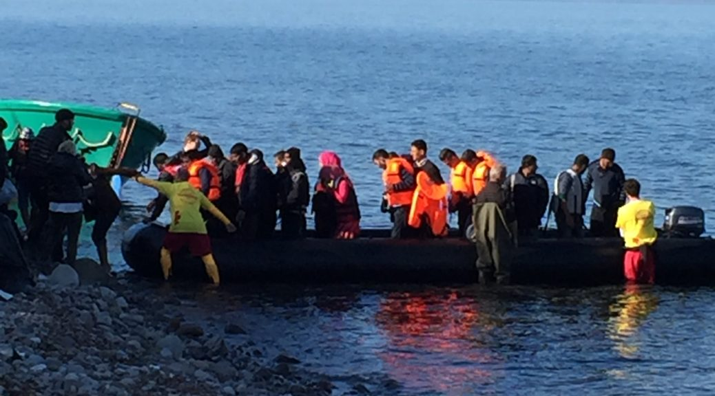 Refugee boat arriving on Lesvos