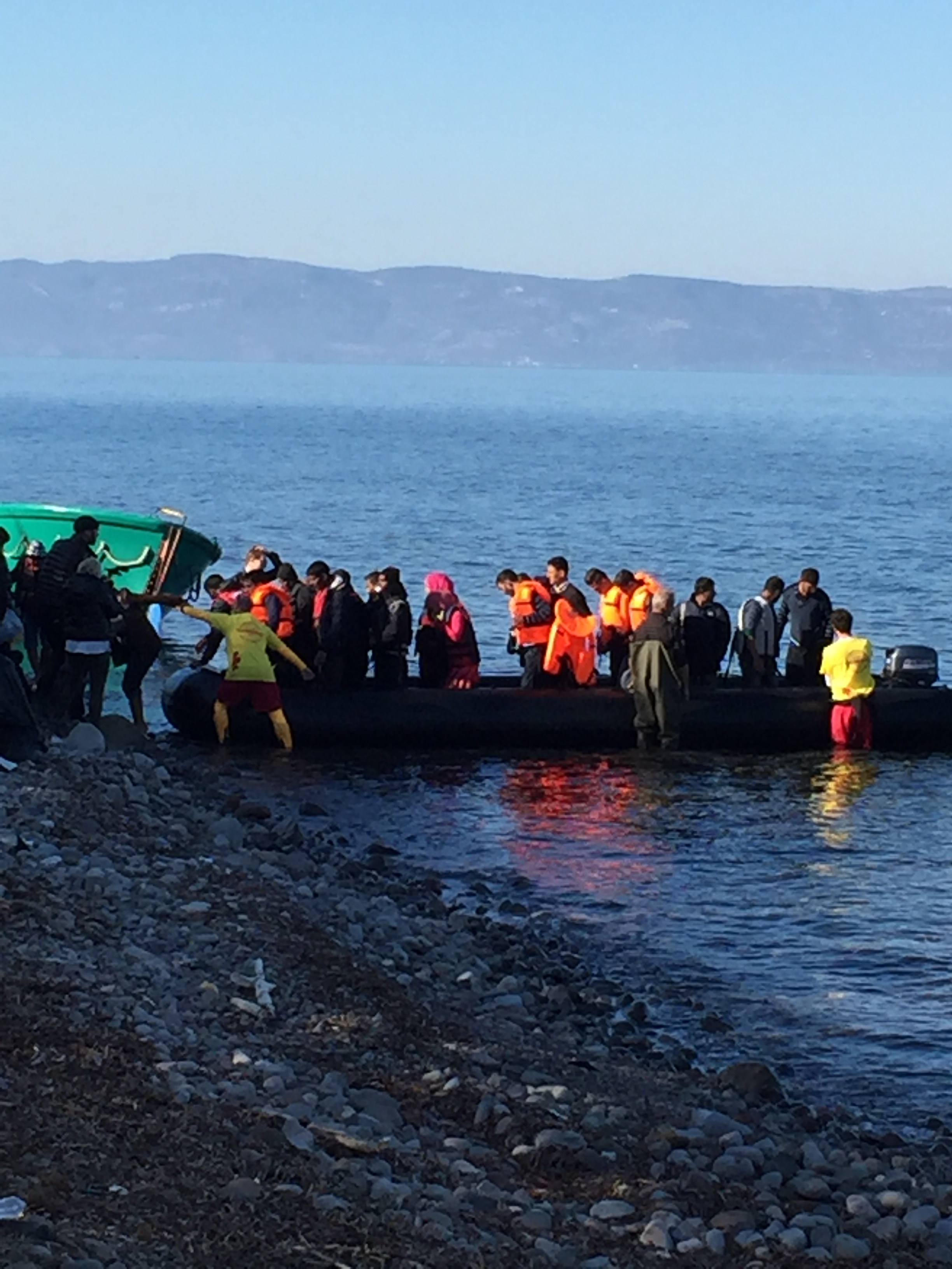 Refugee boat arriving on Lesvos